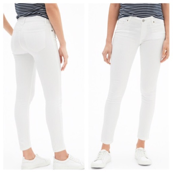 ca4b0624ad687 GAP Jeans | Mid Rise Optic White Legging Skimmer | Poshmark